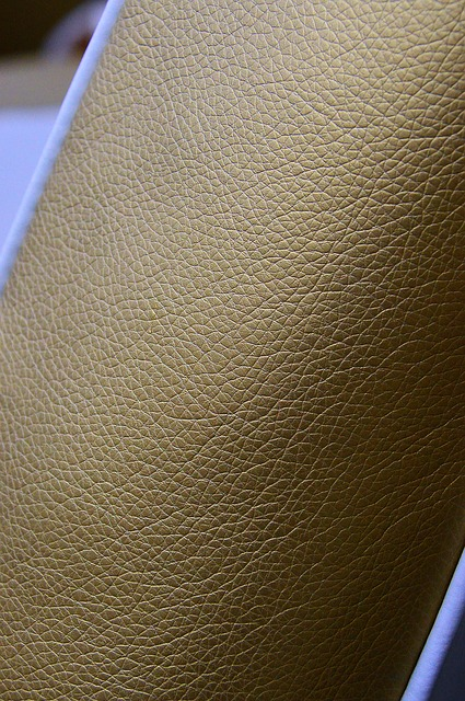 Restauration et réparation de trous dans les éléments en cuir